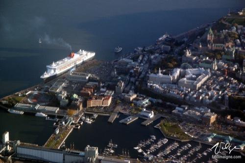 Le plus grand paquebot du monde, amarré à Québec - 5 octobre 2004